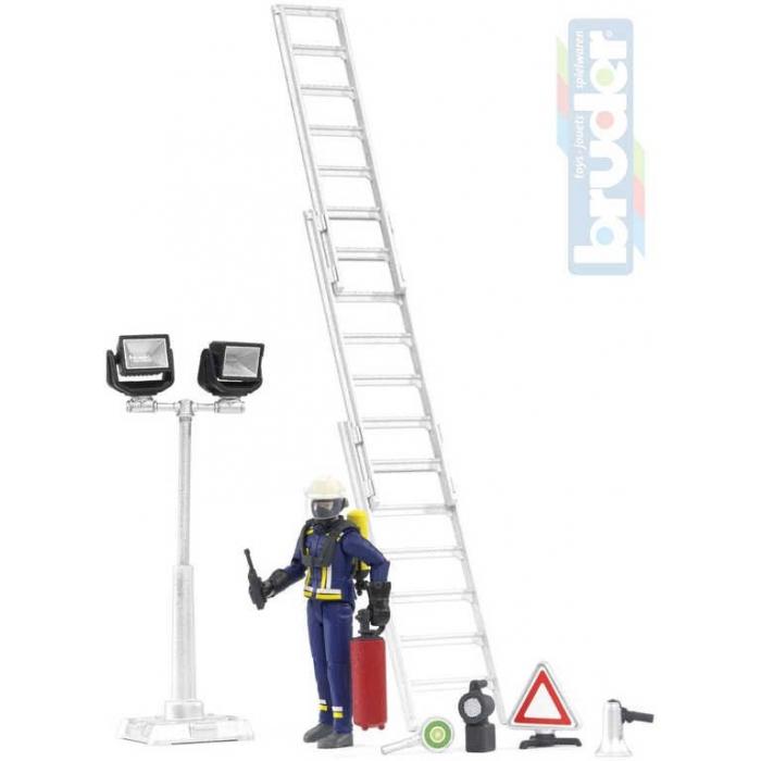 BRUDER 62700 Hasičský set figurka požárník s žebříkem a doplňky 1:16 plast